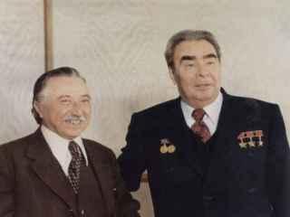 Луис Корвалан и Леонид Брежнев