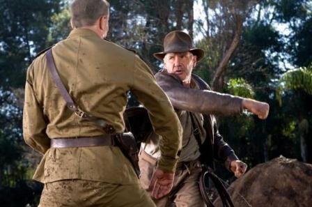 Черный Джонс избивает русского солдата-победителя фашизма
