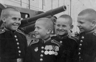 Суворовцы -орденоносцы военных лет