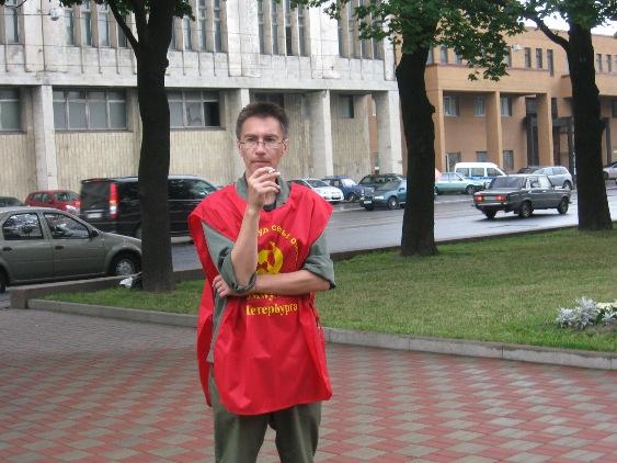 Коммунист Сахаров встревожен раной Ильича