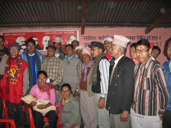 С активом коммунаров деревни Дивакр-Баграм